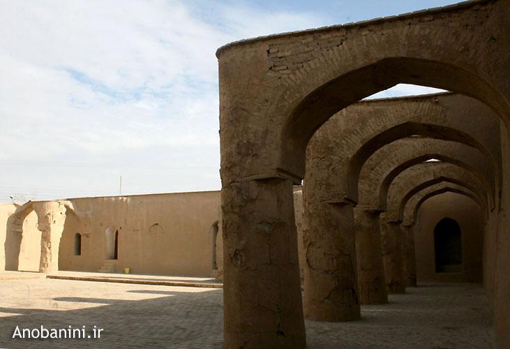 مسجد تاريخانه دامغان