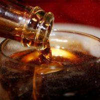 تاثیر نوشیدنی های رژیمی و قندی بر سلامت