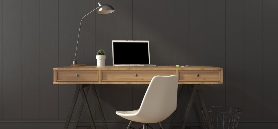 صندلی پشت میز کار